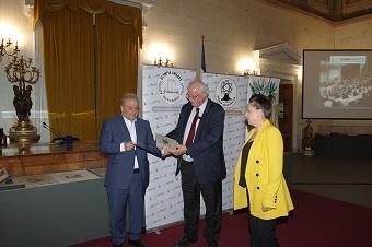 Σπουδαίες ανακοινώσεις για τις ευεργετικές ιδιότητες του ελαιολάδου στα Διεθνή βραβεία Olympia health and nutrition στην Παλαιά Βουλή